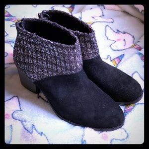 Black booties 8.5 Toms